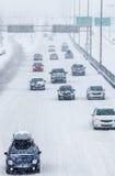 Blizzard auf der Straße Stockfoto