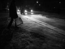 Blizzard in der Nachtstadt Stockfoto