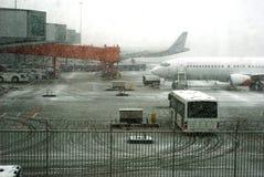 Blizzard no aeroporto fotografia de stock