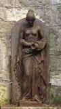 Bloße Breasted-Frauen-Brunnen-Statue Stockfotos