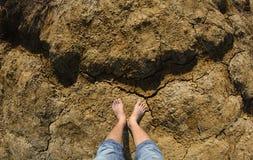 Bloße Füße eines Mannes Stockfotos