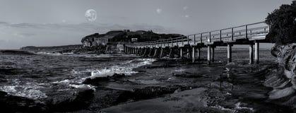 Bloße Inselbrücke mit Vollmond, La Perouse Lizenzfreie Stockbilder