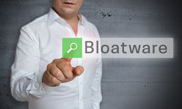 Bloatware-Browser wird durch Mannkonzept bearbeitet Lizenzfreie Stockfotografie