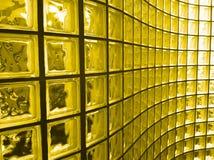 Bloc en verre jaune photos stock