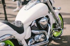 Bloc moteur brillant de moto de chrome Photos stock