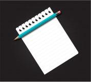 Bloc-notes blanc avec le crayon Images libres de droits
