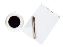 Bloc-notes et stylo de tasse Images stock