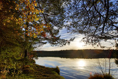 Bloccaggio di HDR di un lago in Baviera in autunno Fotografie Stock