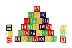 Blocchetti di legno di ABC su bianco Fotografie Stock