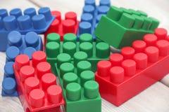 Blocchetti di plastica del giocattolo Immagine Stock