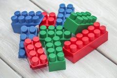 Blocchetti di plastica del giocattolo Fotografia Stock Libera da Diritti