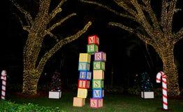 Blocchetti giganti di Natale del giocattolo fotografie stock libere da diritti