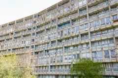 Blocchetto dell'edilizia economica e popolare a Londra orientale Immagine Stock