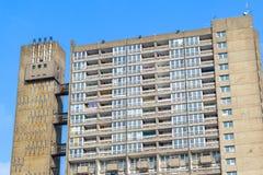 Blocchetto dilapidato dell'alloggio della casa popolare, torre di Balfron Fotografia Stock Libera da Diritti
