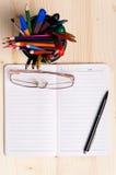 Blocchetto per appunti in bianco Fotografie Stock Libere da Diritti