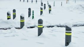 blocchi stradali coperti da neve Fotografie Stock