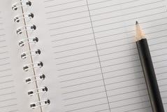 Blocco note con la matita Fotografie Stock Libere da Diritti