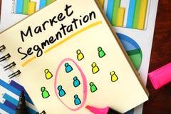 Blocco note con segmentazione del mercato immagine stock libera da diritti