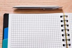 Blocco note e diario o organizzatore personale con la penna Fotografia Stock Libera da Diritti