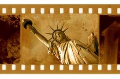 blocco per grafici di 35mm con la statua di NY di libertà royalty illustrazione gratis