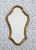 Blocco per grafici dorato dello specchio immagini stock libere da diritti