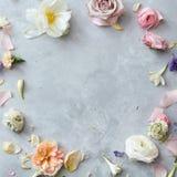 Blocco per grafici floreale con le rose immagini stock