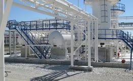 Block der alkalischen Reinigung des Benzins und des Kerosins Stockfotografie