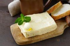 Block der frischen organischen Butter Lizenzfreie Stockfotos