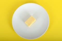 Block des Cheddar-Käses Lizenzfreie Stockbilder