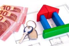 Block-Haus-Geld-Schlüssel Lizenzfreie Stockbilder