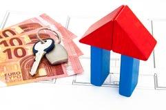 Block-Haus-Geld-Schlüssel Stockfoto
