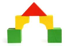 block som bygger barnhuset, gjorde s trä arkivfoton