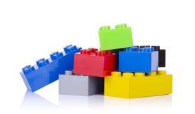 block som bygger isolerad plastic white Royaltyfria Bilder