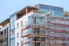 Block von Wohnungen im Bau Stockfotos