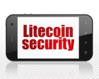 Blockchain begrepp: Smartphone med Litecoin säkerhet på skärm Fotografering för Bildbyråer