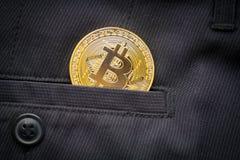 Blockchain cripto di simbolo della moneta di oro di logo di Bitcoin Fotografia Stock