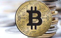 Blockchain di Bitcoin - concetto del portafoglio del bitcoin per il pagamento elettronico dei soldi virtuali mondiali Immagini Stock