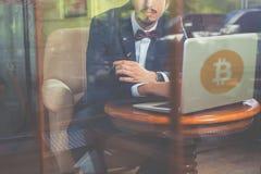 Blockchain-Technologie Schlechte Nachrichten mit bitcoin cryptocurrency Stockbilder
