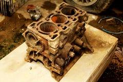 blockera den gammala motorn royaltyfri fotografi