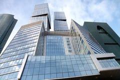blockerar den stadsmoscow skyskrapan Royaltyfri Foto