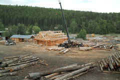 Blockhaus-Bau, Britisch-Columbia, Kanada. Lizenzfreie Stockfotos