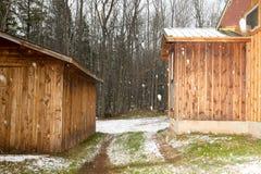 Blockhaus in den Schneefällen eines Winters Stockbild