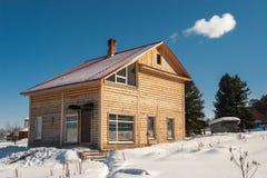 Blockhaus im Winter Lizenzfreies Stockbild