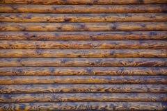 Blockhaus-oder Scheunen-unbemalter ausgeschiffter Wand-strukturierter horizontaler Hintergrund mit Kopien-Raum Lizenzfreie Stockbilder