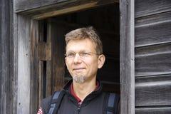 blockhouse άτομο πορτών που στέκεται εκλεκτής ποιότητας Στοκ φωτογραφία με δικαίωμα ελεύθερης χρήσης