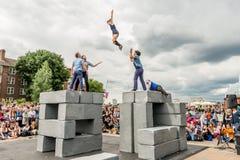 BLOCKIEREN Sie Tanzleistung an Greenwich und an Docklands, die international sind Lizenzfreie Stockfotos