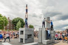 BLOCKIEREN Sie Tanzleistung an Greenwich und an Docklands, die international sind Lizenzfreie Stockfotografie