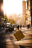 Blockierte Straße und Zaun während des Festivals aufgehoben für Fußgänger Stockfotos