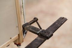 Blockierung des Klammerndetails über Schreinereiwerkstatt Lizenzfreies Stockbild
