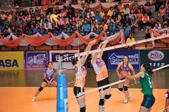 blockless in volleyballspelers chaleng Stock Foto's